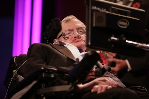Stephen Hawking accepting his award