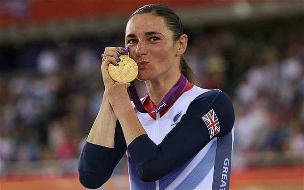 Sarah with gold medal. Photo Credit: i.telegraph.co.uk