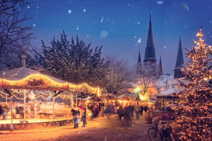 Bruges Christmas Markets  image - illuminated 1479168 1921