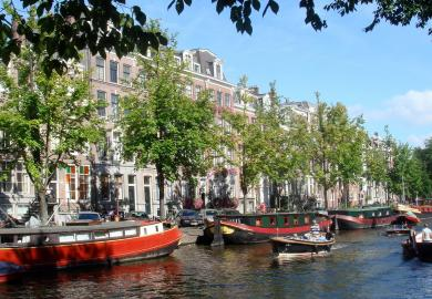 Itinerary - Canal Cruise and Traditional Dinner